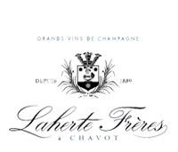 Mit einer Vielzahl französischer Champagner begeistern wir Gäste aus Nah und Fern mit spritzigen Tropfen kleiner feiner Winzer.